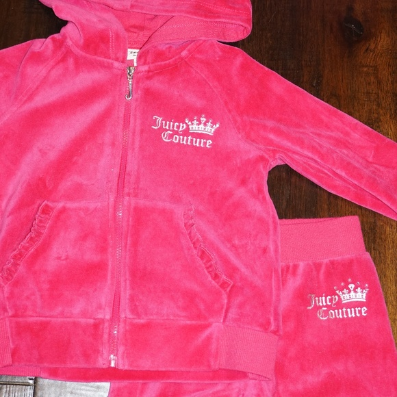 75abc2737f Juicy Couture girls Velour hoodie sweatsuit